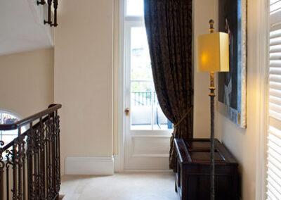jerusalem-gold-limestone-hallway-london