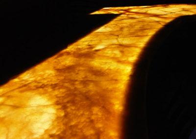 amber-onyx-bar-top-backlit