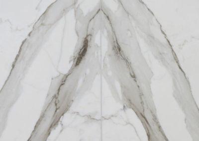 marble-bathroom-calacatta-borghini-bookmatching