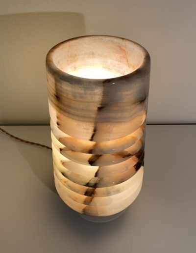 boreal-onyx-side-light-table-lamp